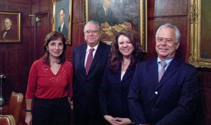 Sonia Boiarov es la segunda desde la derecha. Viajó por el mundo asesorando y formando a personas, empresas y gobiernos.