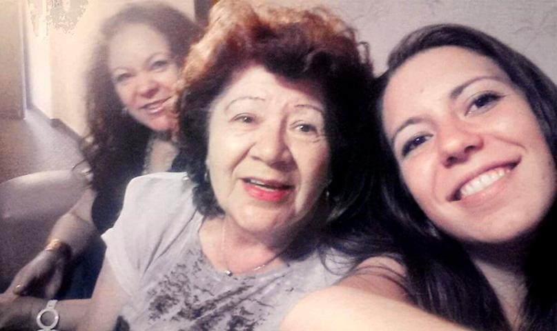 Sonia Boiarov con Marta, su mamá, y Sofía, su única hija, que es arquitecta.